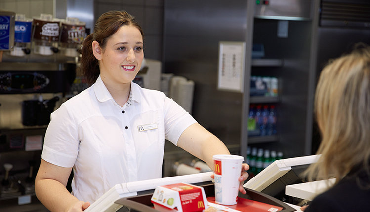 Apprentissage jobs et carri re chez mcdonald s for Apprentissage cuisine geneve